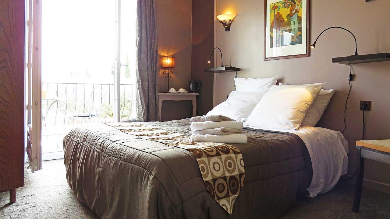 hotel-room-8