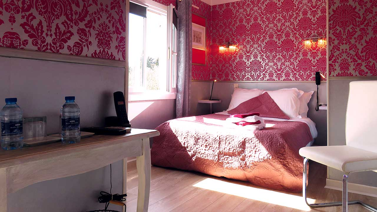 hotel-room-9